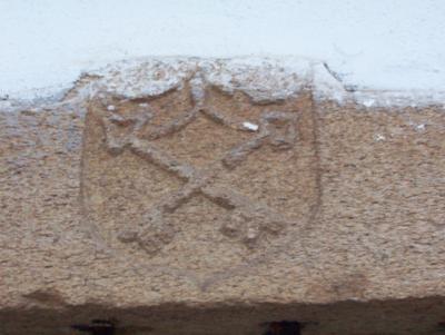 Símbolo religioso de las LLaves Cruzadas.